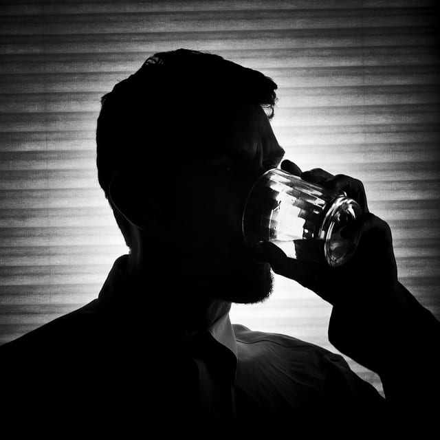 man-drinking-alcohol-needs-Alcohol-Detox-Treatment