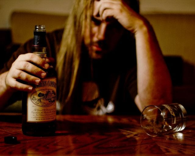 5 Signs you Are Drinking too much