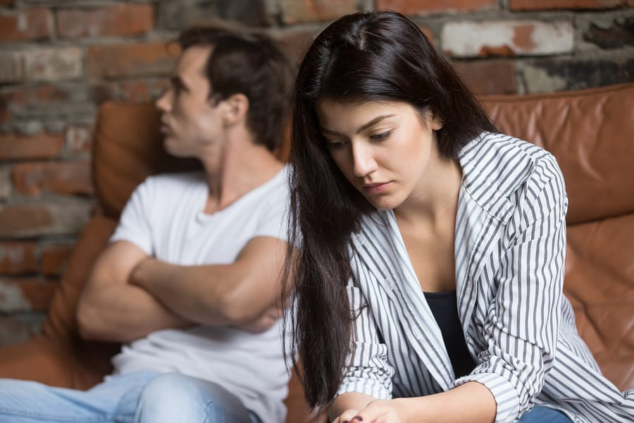 5 Alcoholic Behaviors That Show Up In Relationships